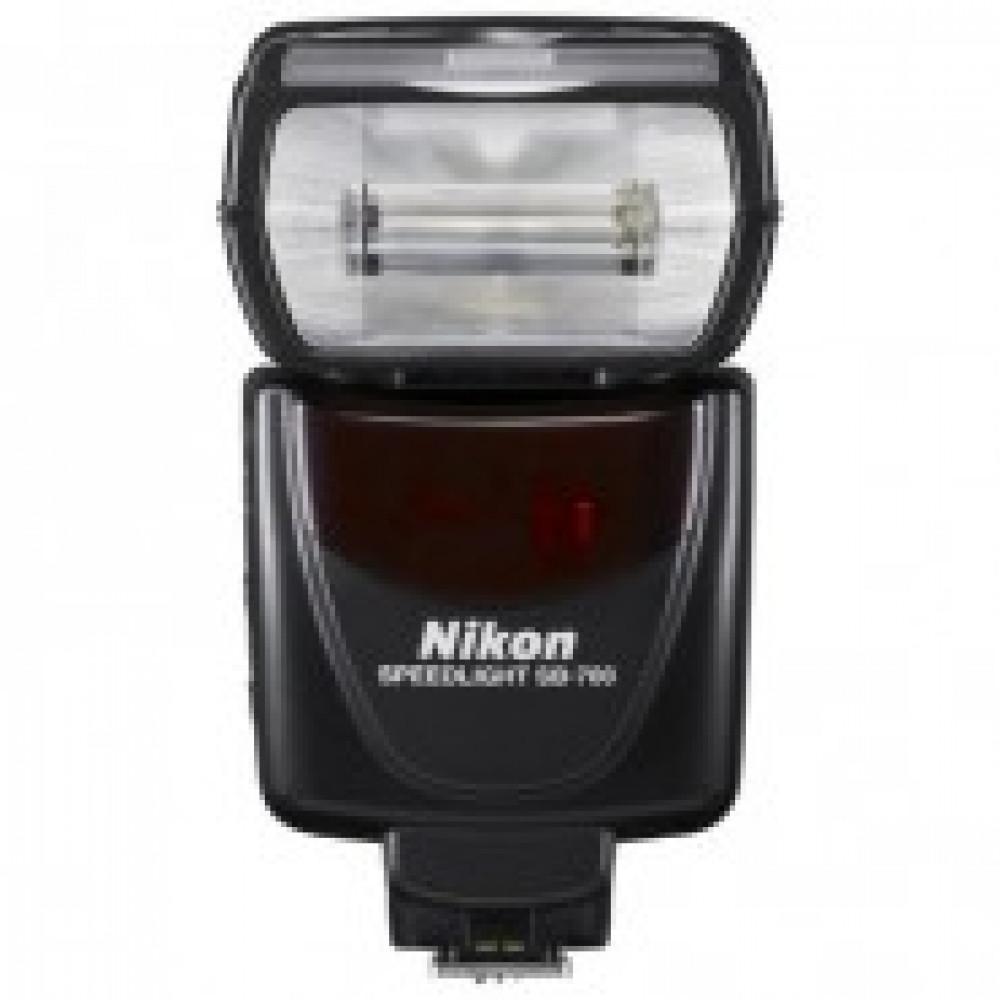Фотовспышка Nikon Speedlight SB-700 [FSA03901]